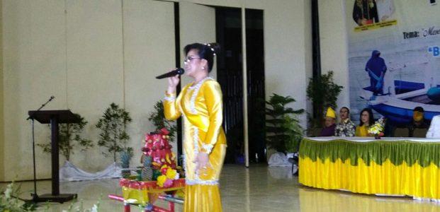 Hibur Masyarakat Sangihe, Wawali SAS Lantunkan Lagu Sangihe di Pesta Adat Tulude