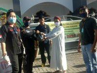 Jelang Lebaran, VAP Berikan 200 Paket Bapok Untuk Warga Muslim Tondano
